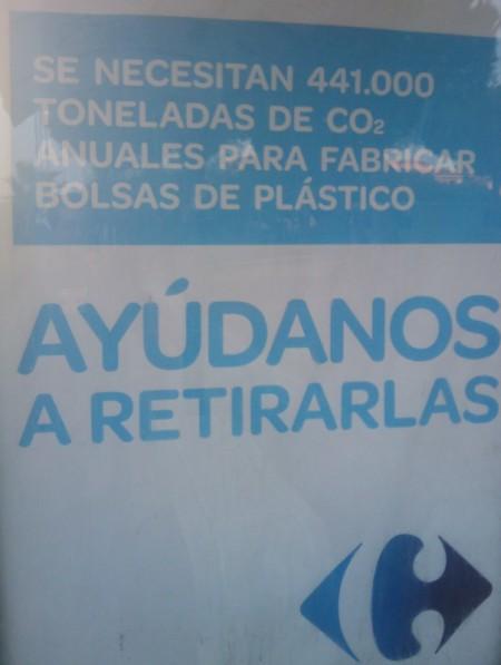 Fabricar bolsas de plastico CONSUME CO2 ?